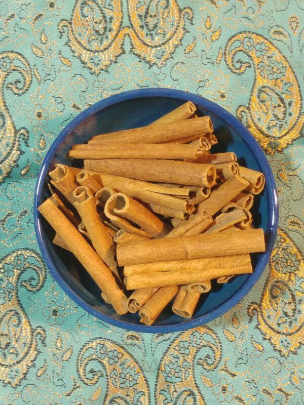 دارچین سیگاری (کاسیا)